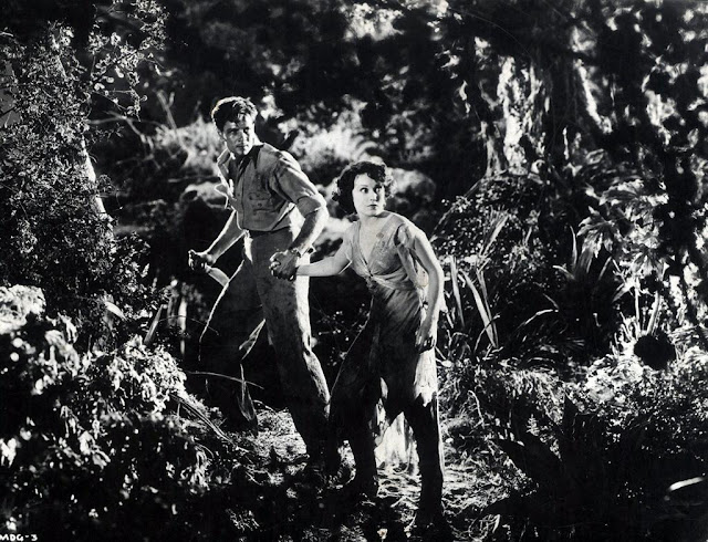 Joel McCrea et Fay Wray dans Les Chasses du comte Zaroff, réalisé par Ernest B. Schoedsack et Irving Pichel (1932)
