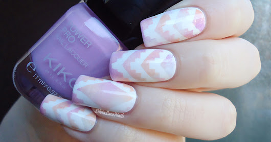 Silvia Lace Nails: White pastel aztec gradient