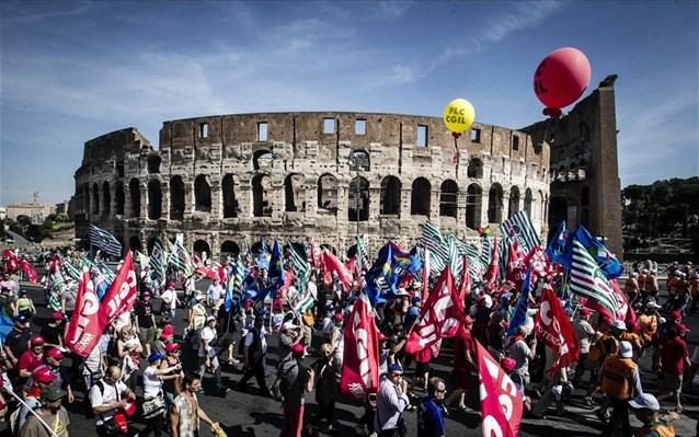 Καζάνι που βράζει η Ιταλία: Εξοργισμένοι οι Ιταλοί –  Να επέμβει ο στρατός να μαζέψει τους αριστερούς!