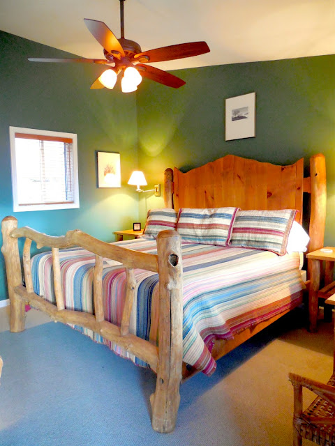 The rooms in the lodge house at Guesthouse Lost River are rustic and cozy encouraging rest & relaxation.