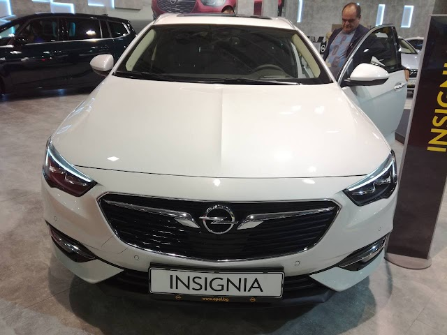 Opel Insignia at the 2017 Sofia Motor Show