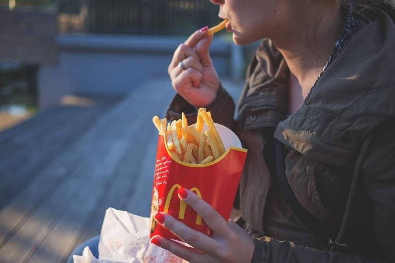 إدمان الغذاء يؤدي إلى تعقيد السلوكيات