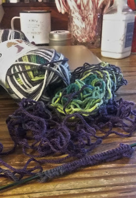 yarn is mostly green and gray