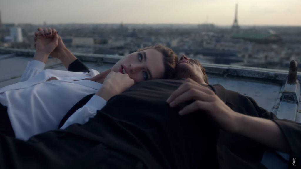 modella modello foto Pubblicità profumo Mon Paris di Yves Saint Laurent: 2016 testimonial