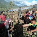 Dari Distrik Illu, Satgas Yonif MR 412 Kostrad Ajak Masyarakat Menanam Sayuran
