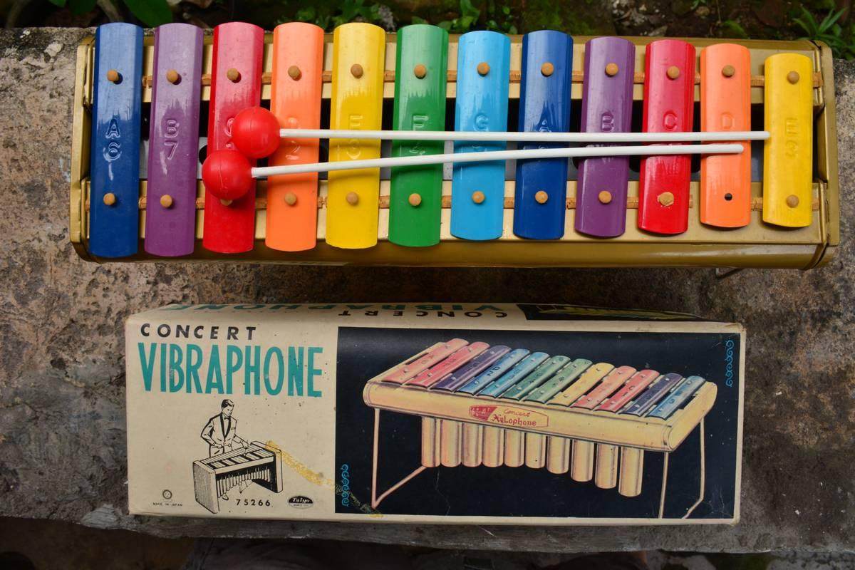 Antik Curio Reklame Lama Vintage & Retro Djojosoepoko: Toy ...