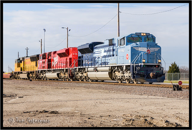 UP 1982, UP 1988, and UP 4859 - Train IHOYC-17 - Dupo Yard