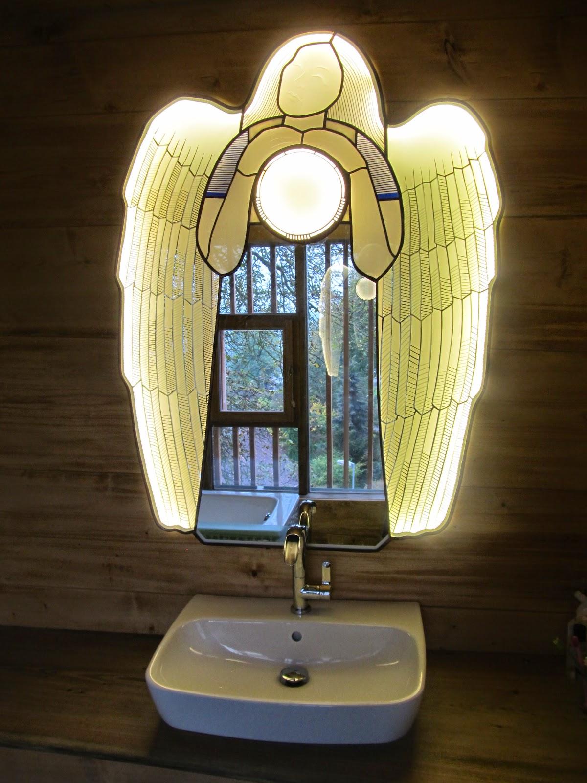zrcadlo vitráž anděl
