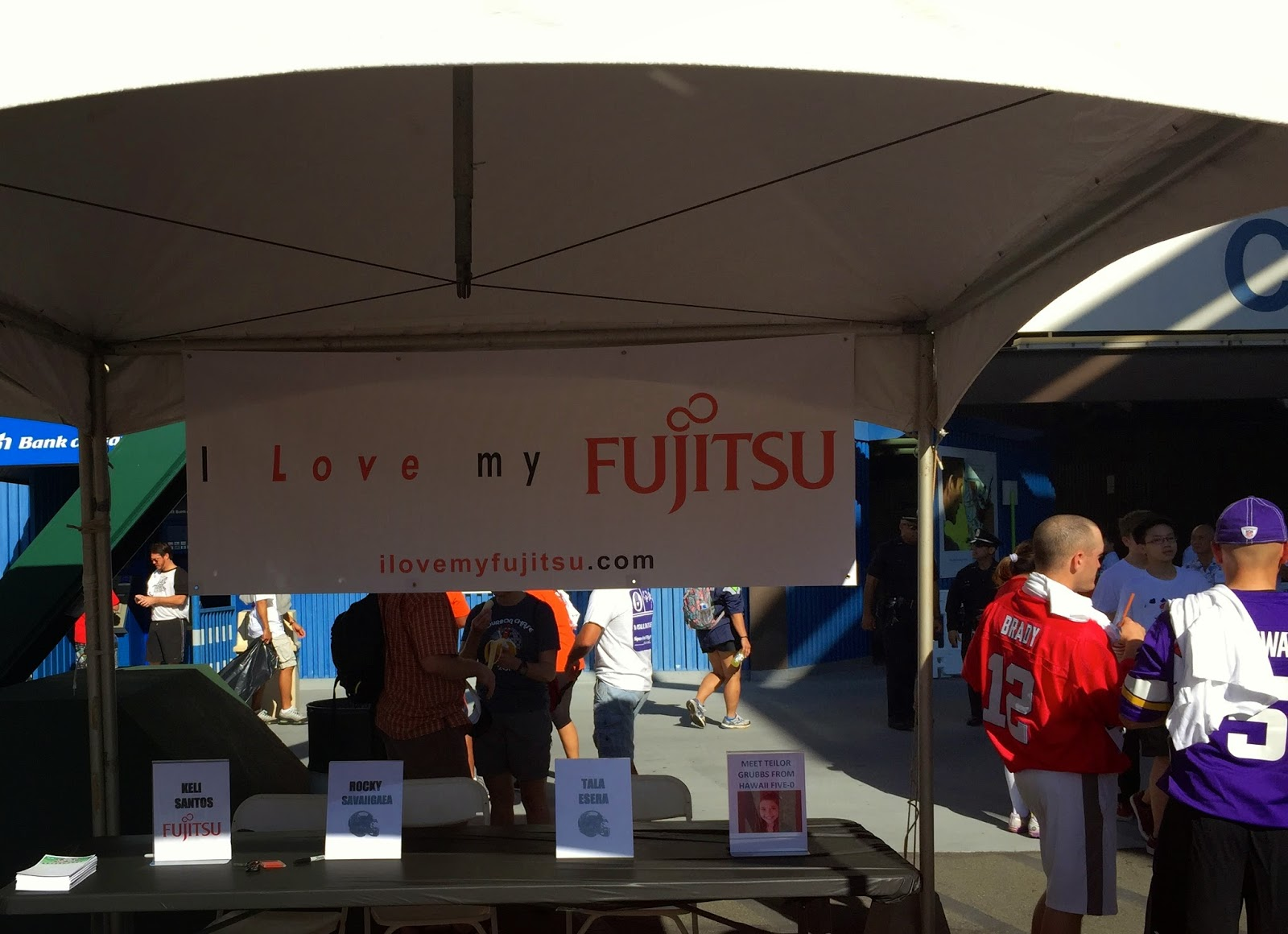TASTE OF HAWAII: I LOVE MY FUJITSU AUTOGRAPH SESSION AT