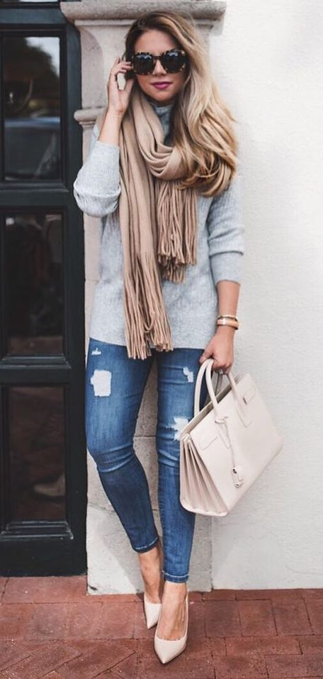 amazing casual outfit : sweater + blush scarf + bag + rips + heels