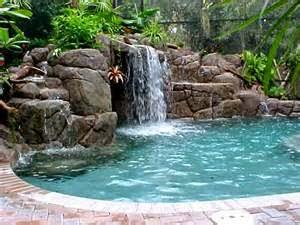 Mengenai ukuran kolam renang rumah minimalis, itu semua sebenarnya bergantung pada selera pemilik rumah apakah ingin memiliki kolam renang berukuran besar, jumbo, ataau yang sedang-sedang saja.