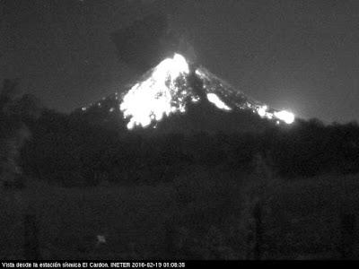 Explosion sur le volcan Momotombo, 19 février 2016 milieu de nuit
