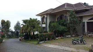 Villa Gallery Di Istana Bunga Lembang Bandung