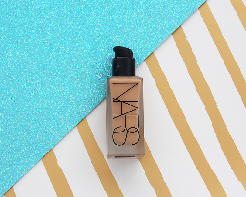 nars all day luminous weightless foundation review swatches comparison nc30 punjab sheer glow swatch