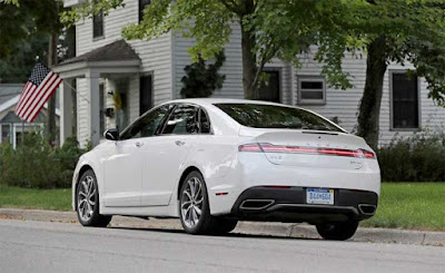 2017 Lincoln MKZ Review 3.0