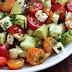 Esta deliciosa salada vai ajudar você a perder peso e a eliminar o excesso de líquido. Aprenda a receita ↓ ↓ ↓