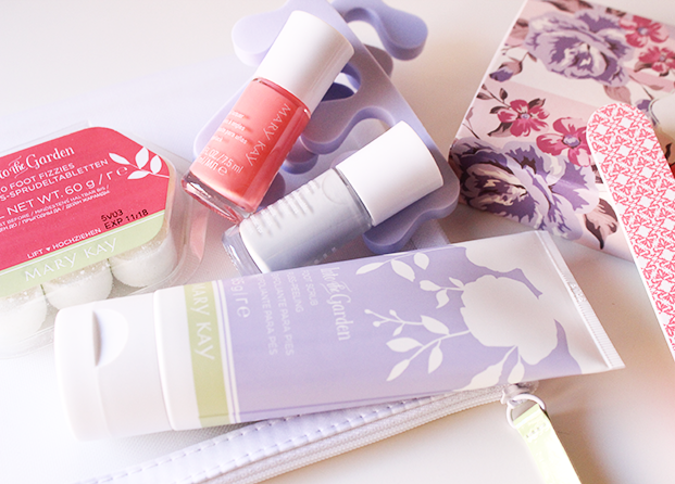 Set de pedicura Into the Garden de Mary Kay