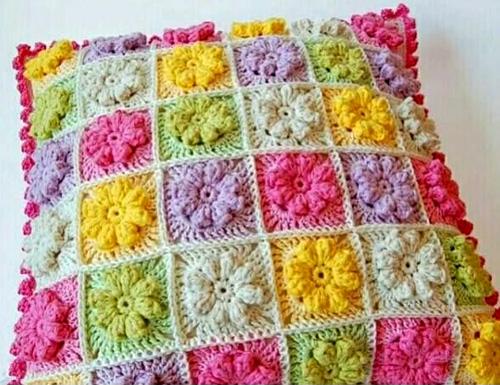 Multicolor Flower Pillow - Free Crochet Diagram