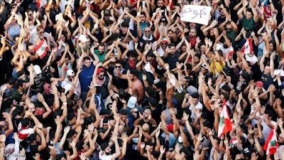 احنجاجات لبنان, الغضب يتنامى, اسقاط النظام, نصر الله, حزب الله واحد منهم, الشارع يرفض, الحريرى, الجيش ينحاز للمتظاهرين, لبنان,