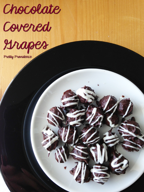 How to Make Chocolate Covered Grapes {by www.prettyprovidence.com}