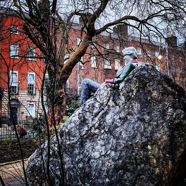 Day out in Dublin: Oscar Wilde Statue in Merrion Square Park