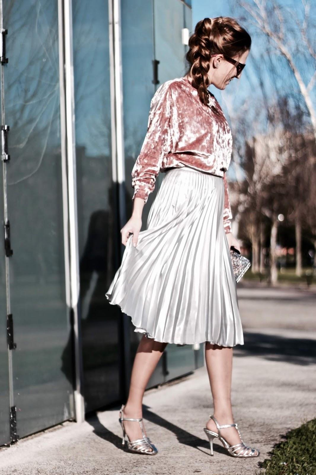 falda midi con top de terciopelo