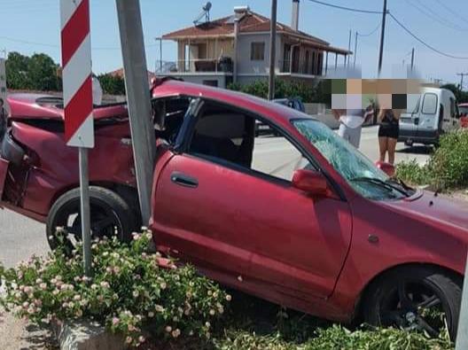 Πρέβεζα: Αυτοκίνητο εξετράπη της πορείας του στην οδό Λασκαράτου