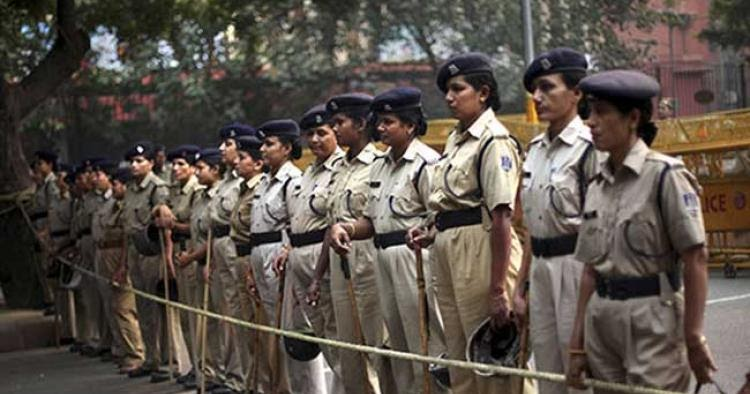women are not safe in delhi Find long and short essay on safety of women in india for students and others trending: article on swachh bharat abhiyan where delhi crime rate against women in delhi was 176/100,000 females in 2000 (2,122 safe public toilets, sidewalks, lack of effective police.
