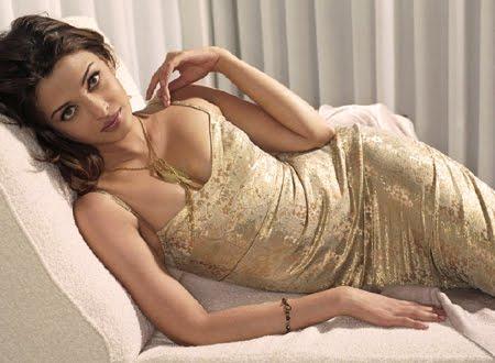 Айшвария Рай в лъскава рокля