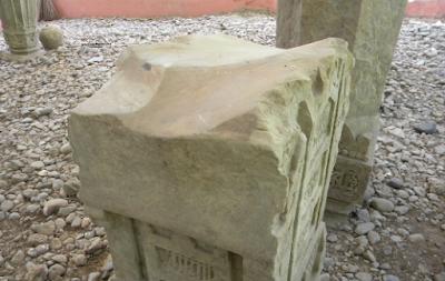 Sangat Disayangkan, Sekarang batu Nisan di Aceh dijadikan tempat Asah parang