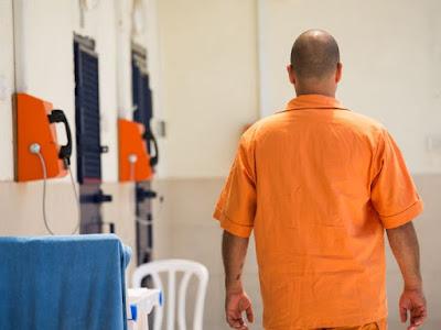 אסיר בכלא כרמל בעתלית (צילום ארכיון: יותם רונן)