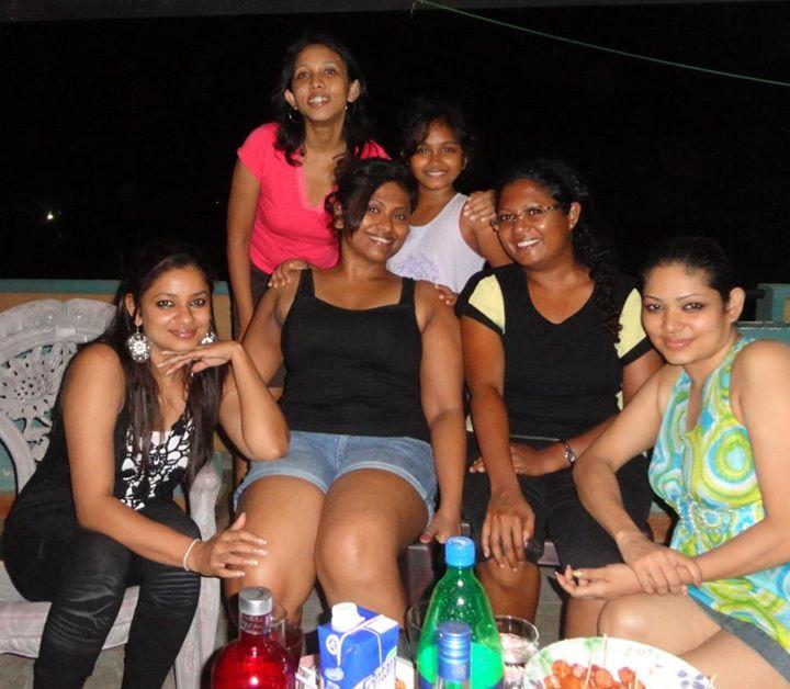 Upskirt party