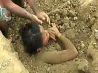 Wooow....Gadis Ini di Kubur Hidup-hidup Setelah Disambar Petir, Ternyata Alasannya Bikin Kita Geleng – Geleng