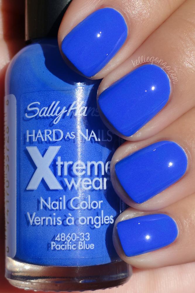 Kelliegonzo Sally Hansen Pacific Blue