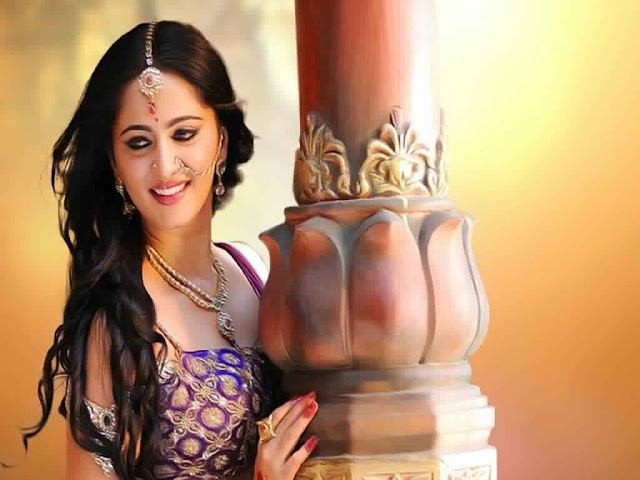Anushka Shetty Latest HD Wallpapers Hot Images Free