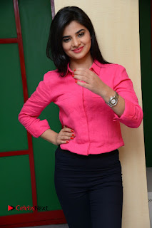 Actress Kamna Ranawat Pictures in Jeans with Selfi Raja Team at Ragio Mirchi  0116.JPG