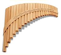 Üzerinde baklava şeklinde desenler olan musikar, pan flüt ya da mıskal çalgısı