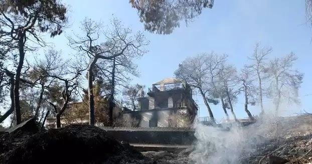 Κρανίου τόπος ο Κάλαμος: Οι φλόγες καίνε τα πάντα σε Βαρνάβα, Καπανδρίτι