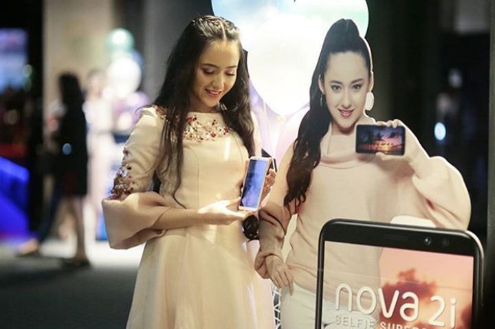 Gambar Hannah Delisha - Duta Huawei Nova 2i