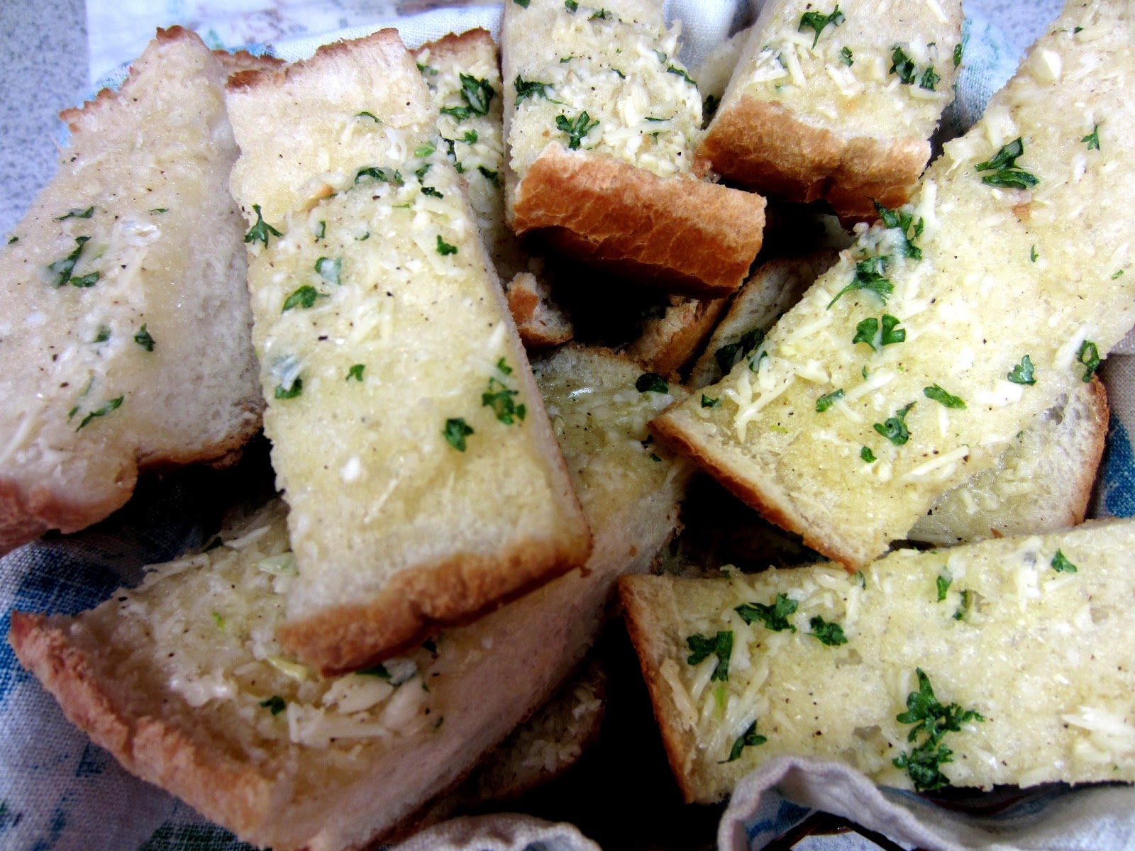 Homemade Garlic Bread Spread Love To Be In The Kitchen