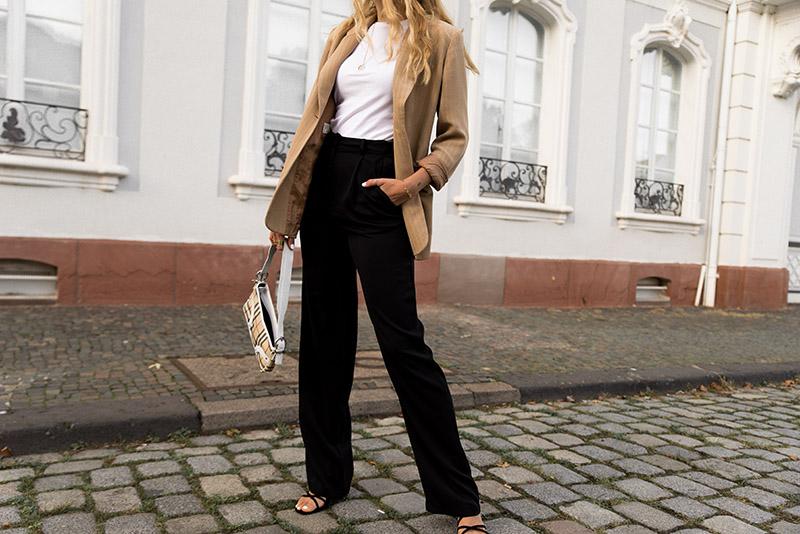 beige blazer look parisian streetstyle