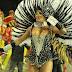 De calcinha micro, ex-BBB mostra partes íntimas em desfile das campeãs de SP