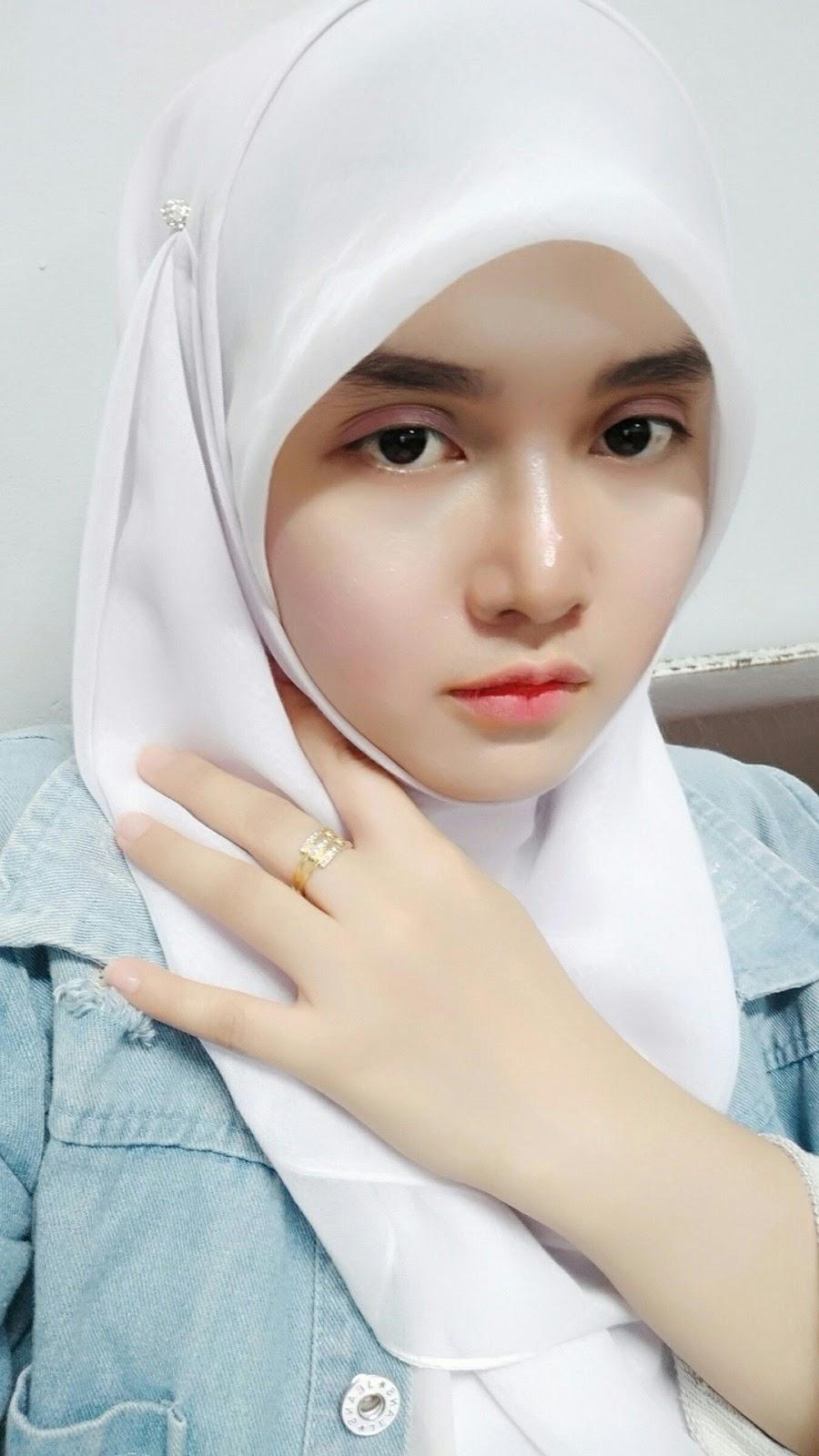 Mahasiswi Cewek Jilbab Selfie cewek manis