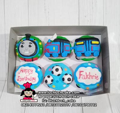 Cupcake Kereta Thomas Fondant 2D