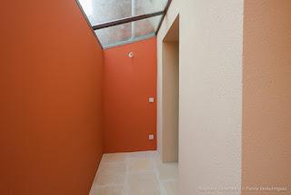 peinture-verrière-corail-pantone-décoration