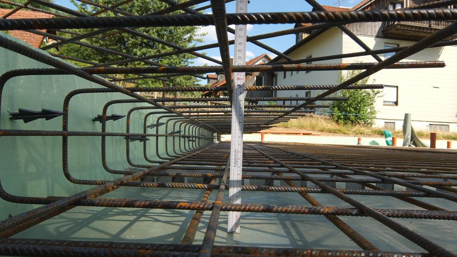 Top AuA's Baublog: Bodenplatte - Bewehrung und Beton FU97