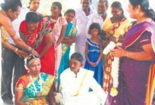 Landslide  Ambuluwawa  - couple Get married