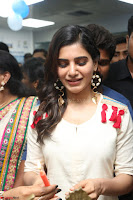 Samantha Ruth Prabhu Smiling Beauty in White Dress Launches VCare Clinic 15 June 2017 080.JPG