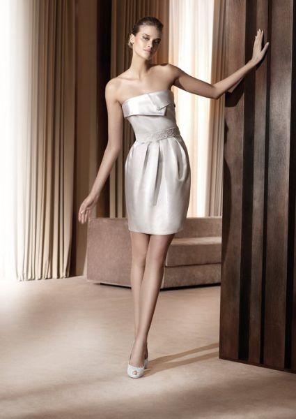 Sencillo y bonito peinados para vestidos cortos Imagen de cortes de pelo estilo - Vestidos de novia cortos 2011 ~ Peinados para fiesta ...