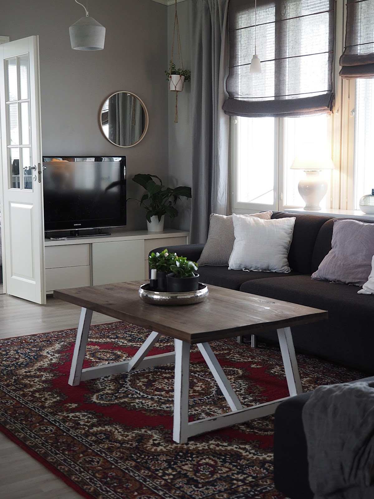 pellava, betoni, itämainen matto, olohuone